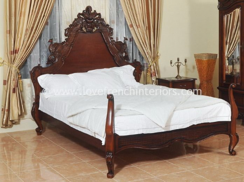 Candice Hawk Bed in Mahogany